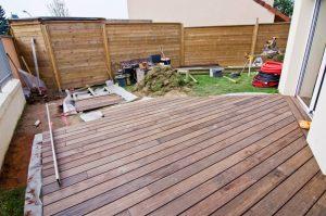 Préparation pose terrasse bois
